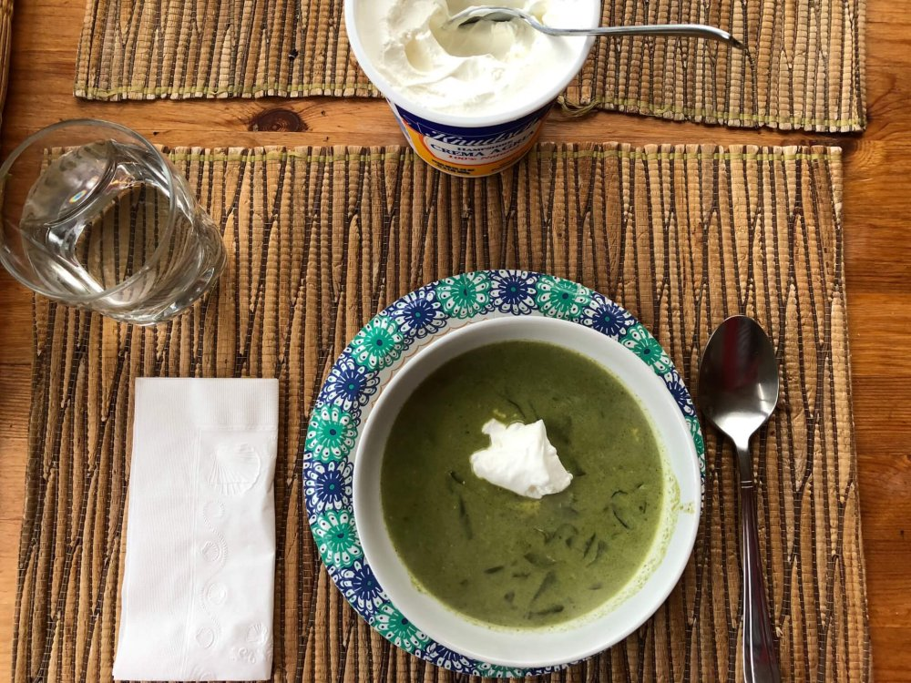 spinach-soup-creamy-cheesy